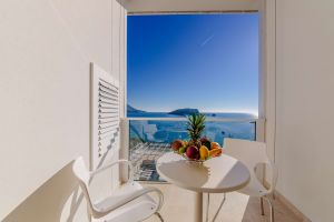 One Bedroom Apartment With Terrace And Sea View 3